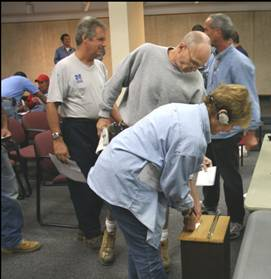 Photograph of MTU members voting on contract ratification in September 2007.